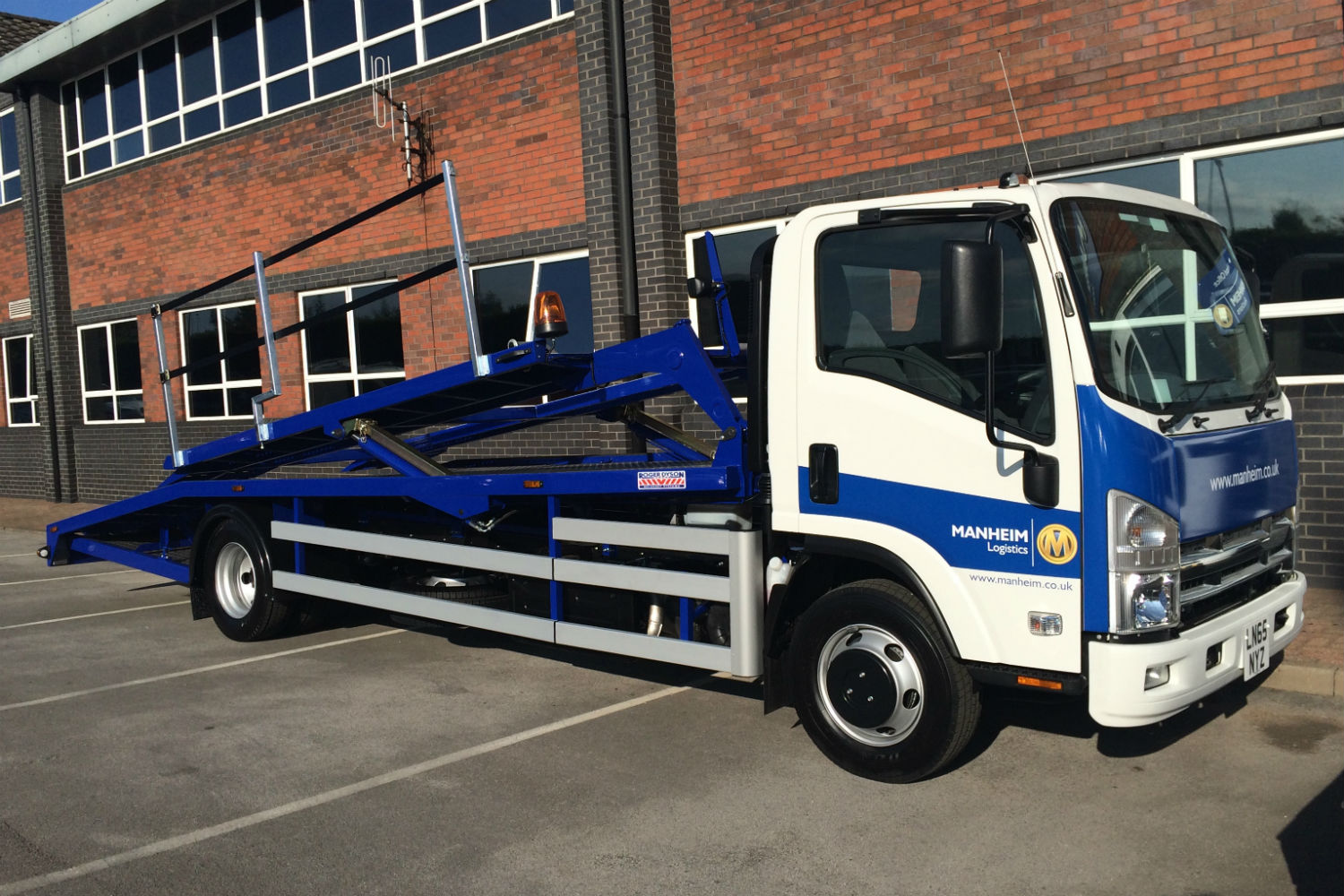 New two car transported - Isuzu N75