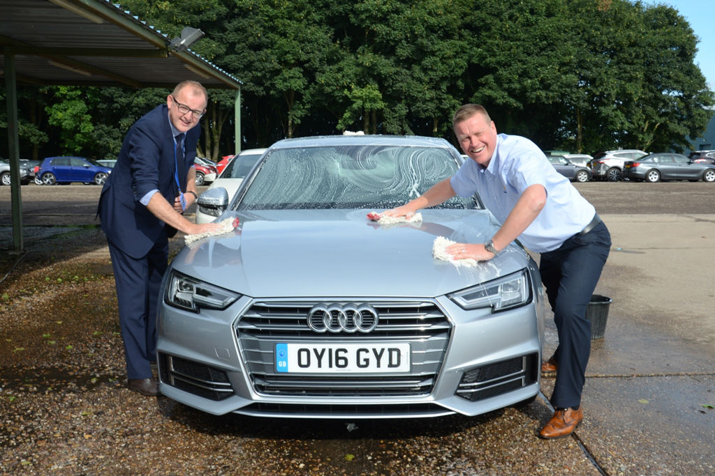 Manheim senior management roll up their sleeves for ALD Automotive launch