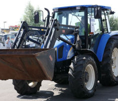 Tractor available at Manheim's Hitachi Capital auction
